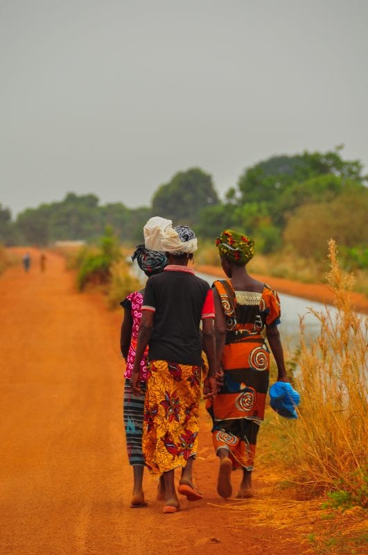 Mujeres en Sindou