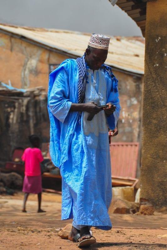 Lugareño con ropa tradicional