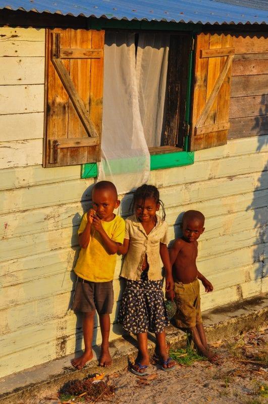 Niños de Manambato